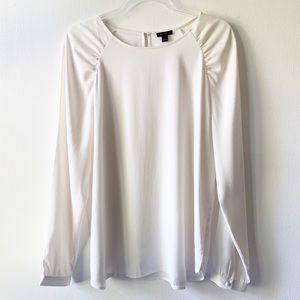 NWT Ann Taylor White Ruched Shoulder Blouse Large